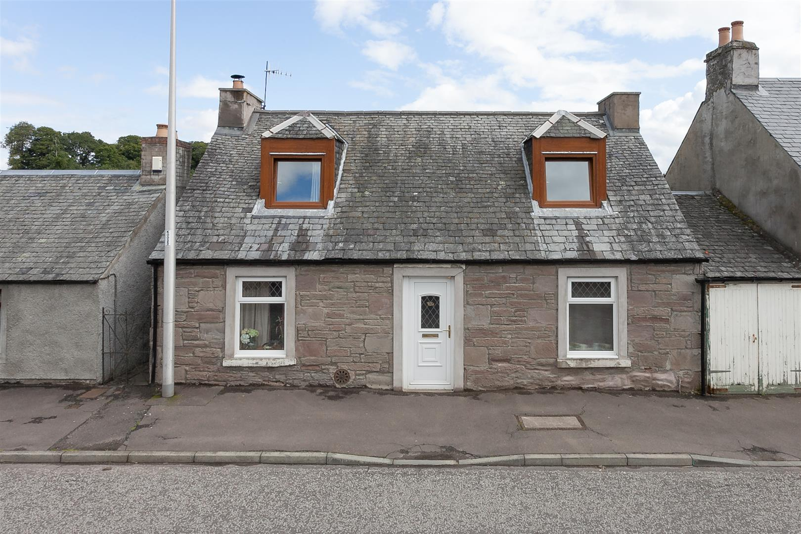 11, Main Street, Almondbank, Perthshire, PH1 3NJ, UK